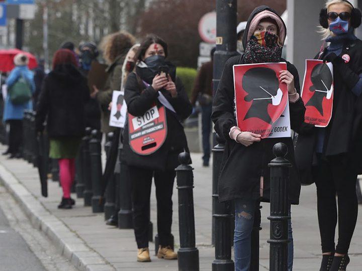 Aborto: la situazione in Europa e quella retromarcia polacca che preoccupa