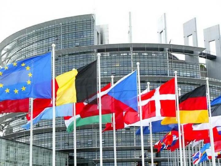 La crisi dello stato di diritto in Polonia e Ungheria e le risposte dell'Unione Europea